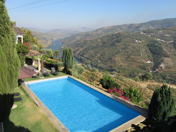 casa-de-canigas-pool-view